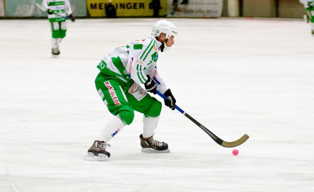 Mikael Olsson har gett begreppet tvåvägsspelare ett ansikte.