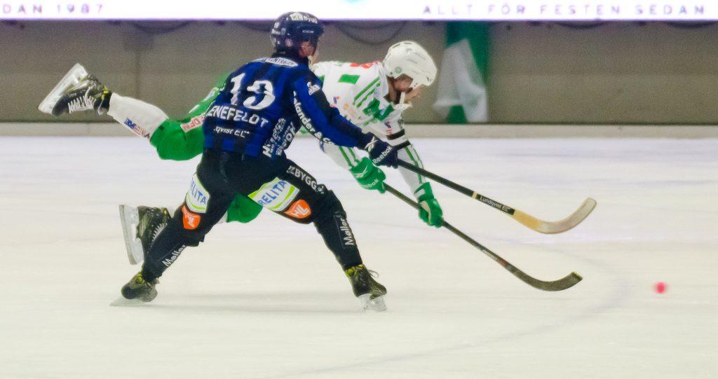 Magnus Joneby rakar in fjärde målet.