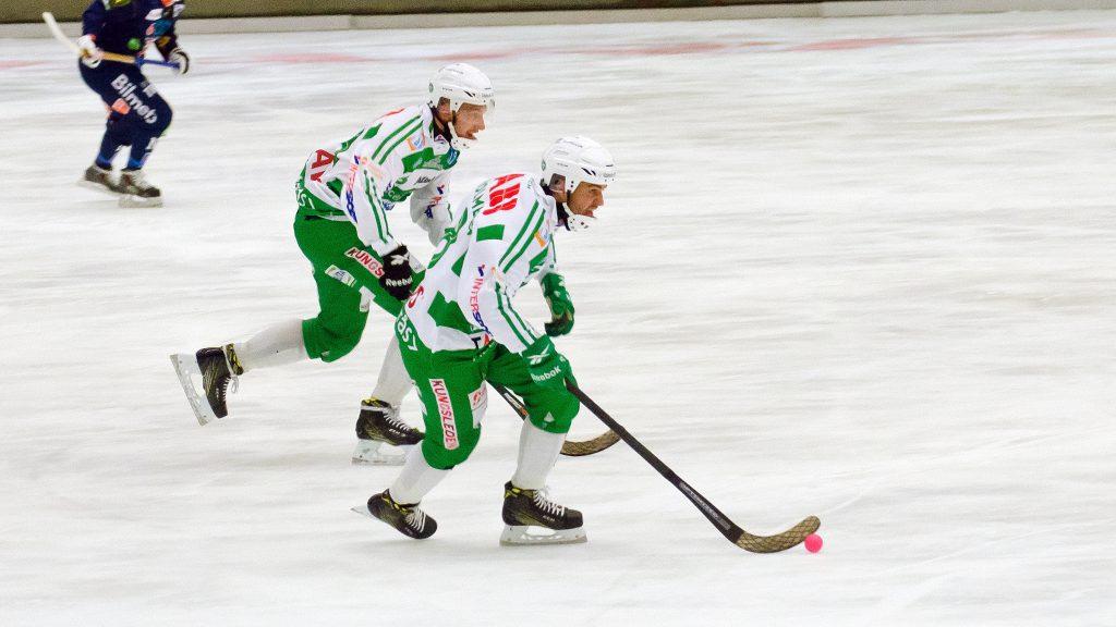 Tobias Holmberg och Simon Jansson drog upp det ena fruktlösa anfallet efter det andra,