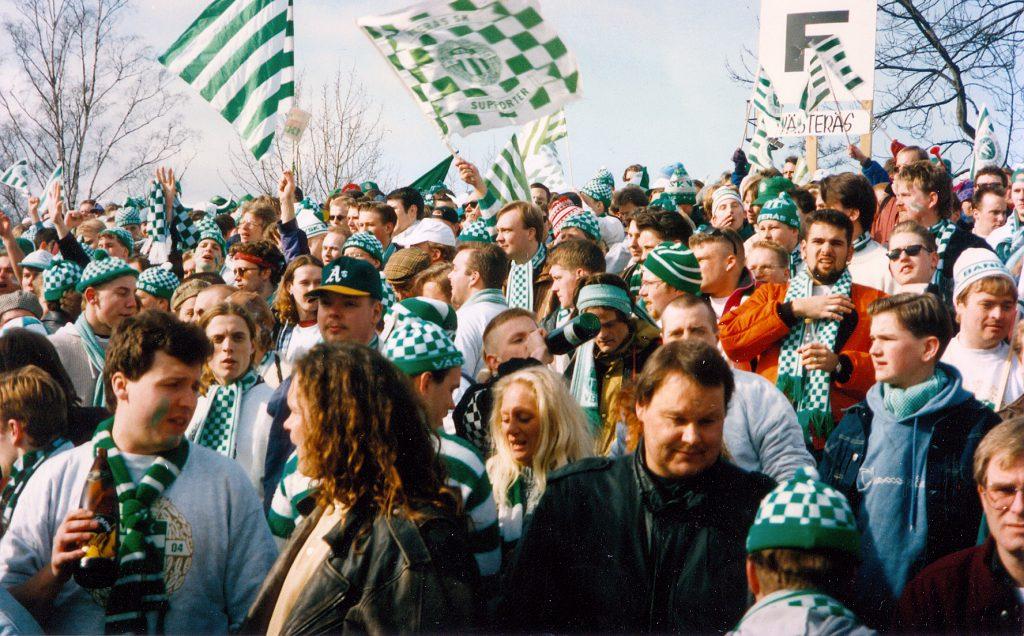 Den grönvita klacken 1993 när VSK vann finalen mot Boltic med 5-4.