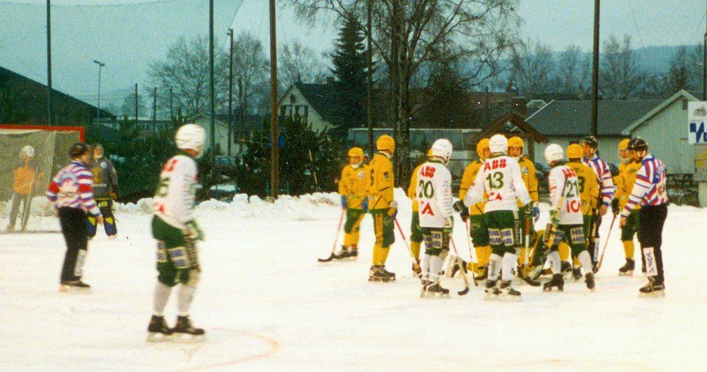 Bandycirkus i Mjöndalen 1998.