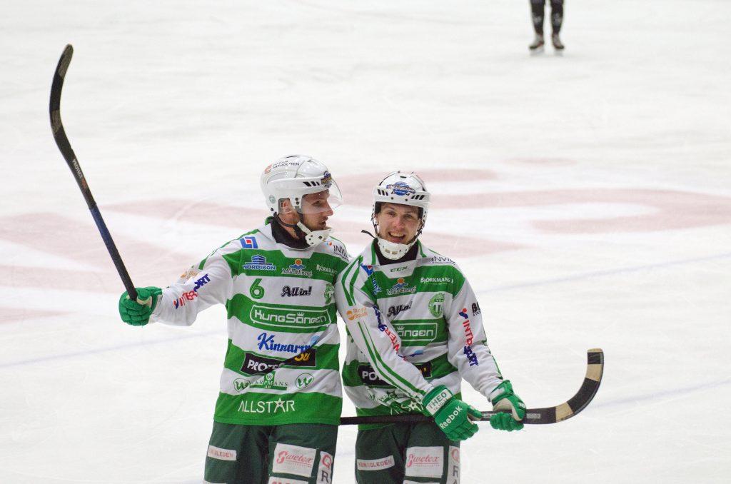 Simon Jansson och Ted Bergström förra året, mot Saik.