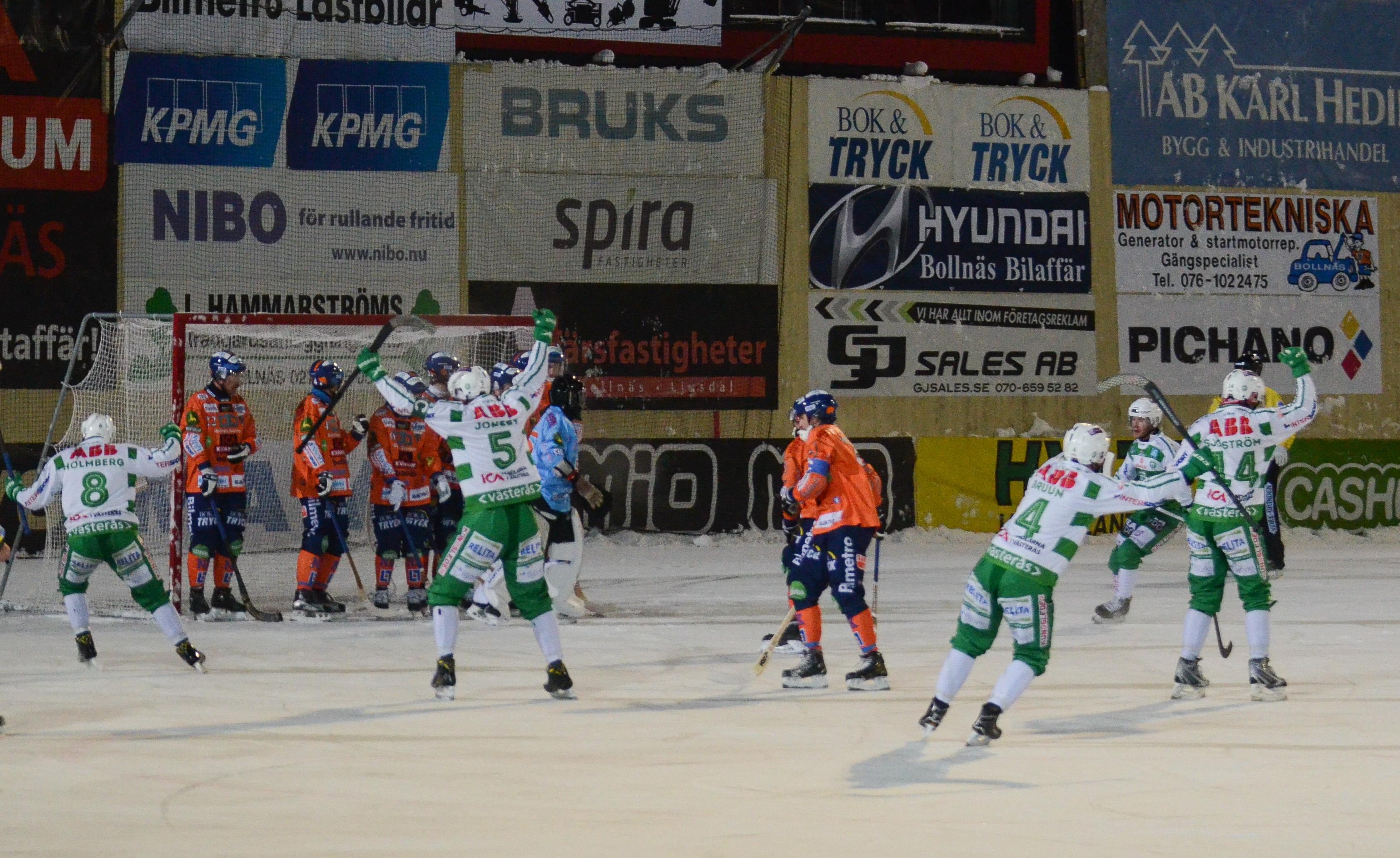 Patrik Sjöström kvitterar på hörna.