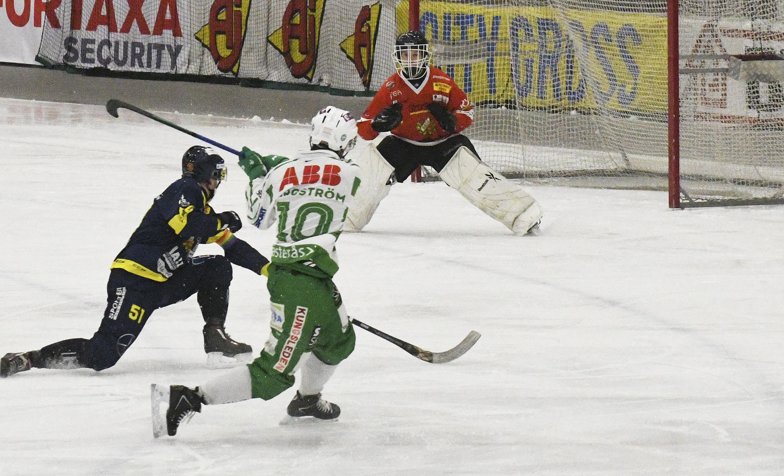 Ted Bergström gjorde fyra mål på lillbrorsan Max i dubbelmötet mot Falun.